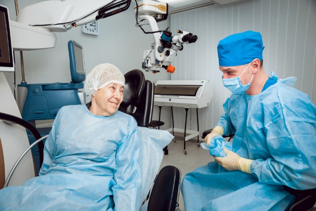 what happens during cataract surgery