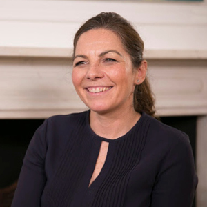 Laura Crawley-Resident expert-Clinica London